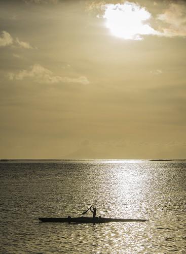 sunset kayak tahiti fare huahine outrigger huahinebeachhouse