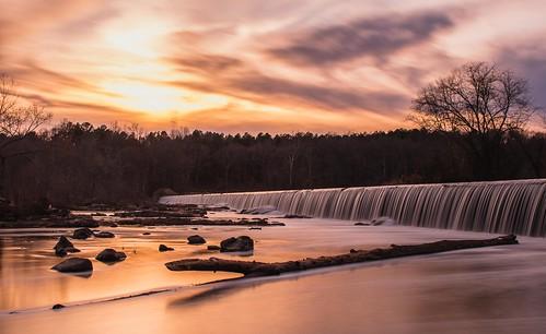 canon eos canoneos7dmarkii canonefs1855mmisstm longexposure waterfall dam bynum chathamcounty hawriver sunset