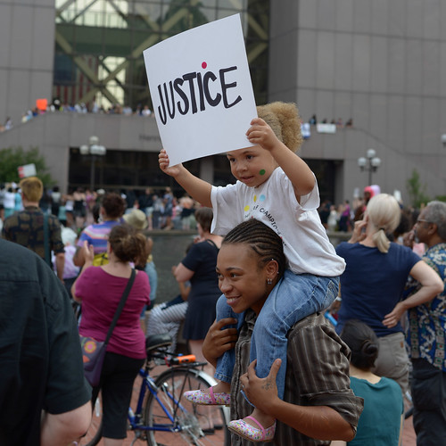 Protesters at #HoodiesUpMN rally in Minneapolis | by Fibonacci Blue