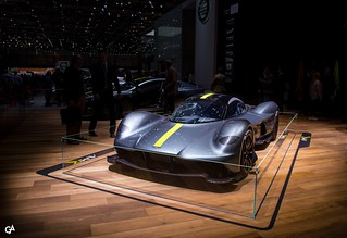 Aston Martin Valkyrie | by Guillaume Aragon