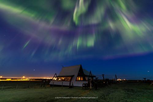 iceland auroraborealis northernlights cabin stars sky outdoor zorzapolarna polarlict nordlys nocturne canoneos5dmarkiv tokinaatx1628mmf28profx kjartanguðmundur arctic photoguide tourguide top20aurora top20aurora20