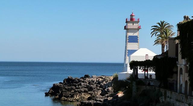 O farol! The lighthouse!