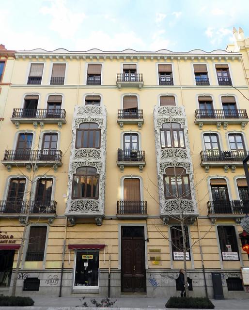 Casa modernista en calle Gran Via de Colon Granada 03