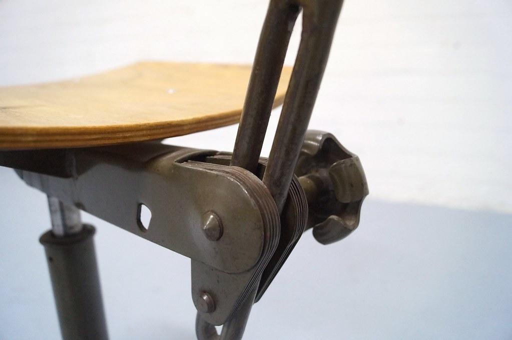 Vintage Design Bureaustoel.Industriele Architectenstoel Vintage Ahrend Cirkel Bureaus Flickr