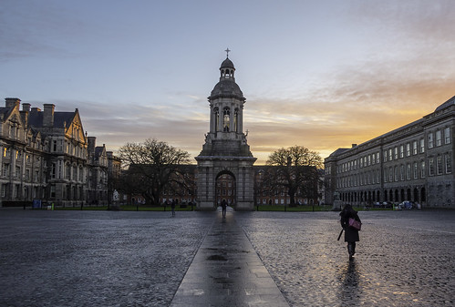 trinity trinitycollegedublin dublin early sunrise sun clouds colours university travel