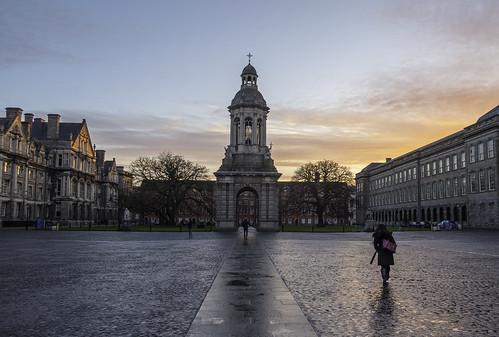 trinity trinitycollegedublin dublin early sunrise sun clouds colours university travel