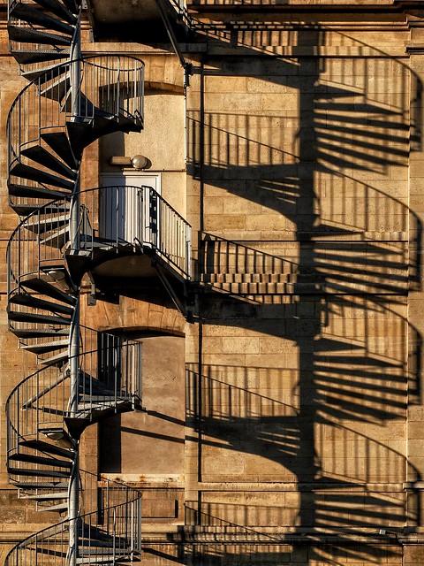 Laisse-moi être l'ombre de ton escalier.....