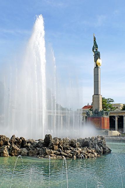 Austria-03420 - Soviet War Memorial