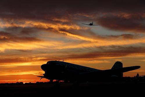 dc3 nc43xx n43xx douglas dc3as1c3g sunset cableairport upland california socal aircraft 2017