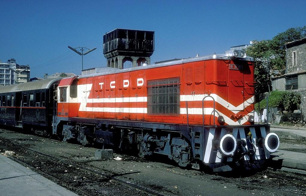 De 18 001 Izmir Basmane 20 09 77 Foto K W Koch Bahnbilder Von W H Brutzer Flickr