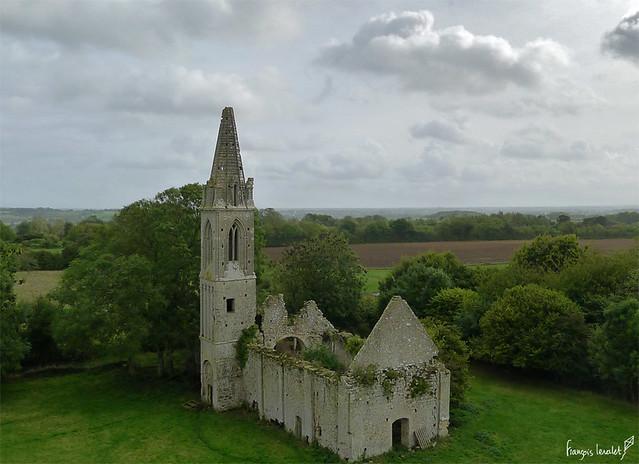 Eglise Saint Nicolas de Villiers-sur-Port à Port-en-Bessin (Calvados-FR)