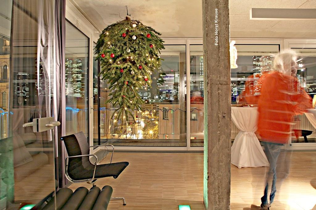 img 1595 frankfurt b ro mit weihnachtsbaum horst. Black Bedroom Furniture Sets. Home Design Ideas