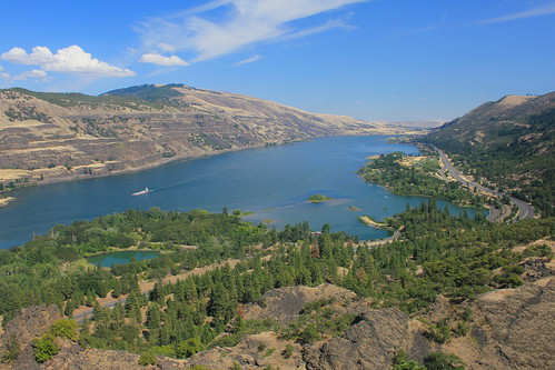 Columbia River Gorge | by Navin75