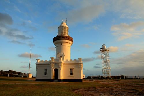 pointperpendicular beecroftpeninsula jervisbay lighthouse newsouthwales coast shipping sunset beacon
