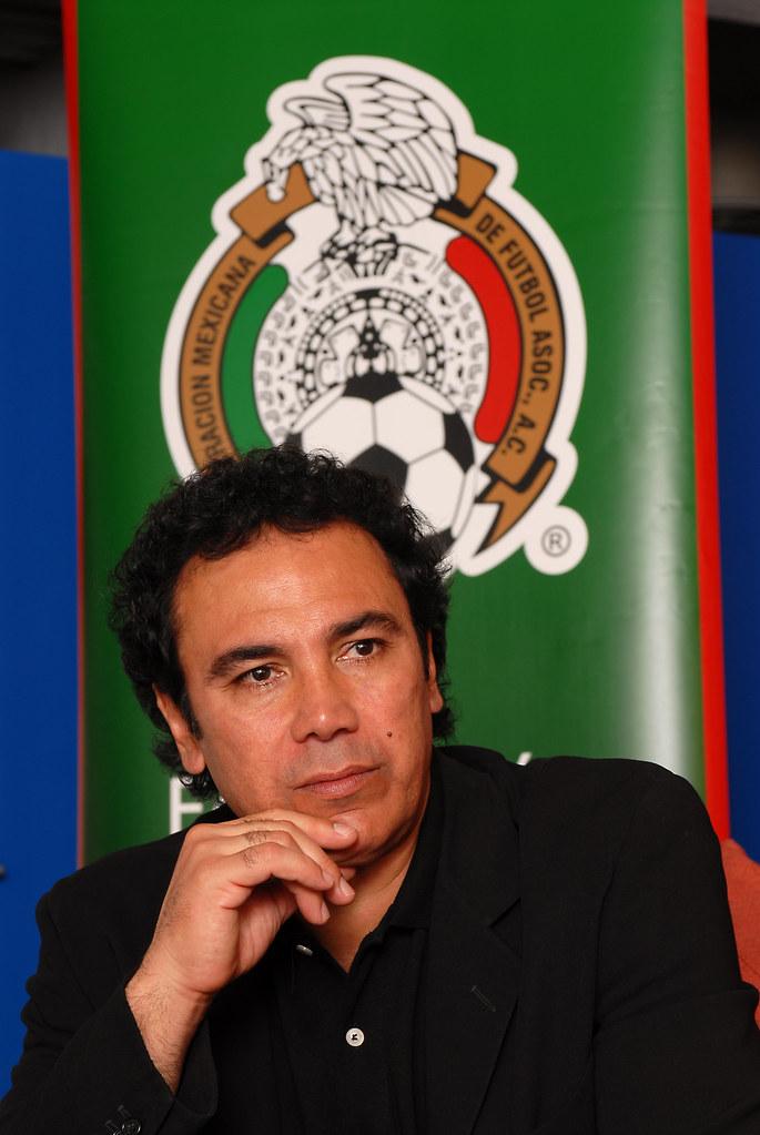 Hugo Sanchez retrato 1