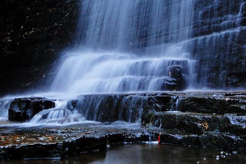waterfall tennessee waterfalls bentonfalls sundancecabinrentals