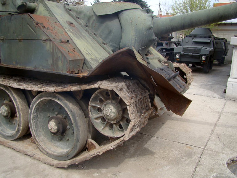 SU-100 (5)