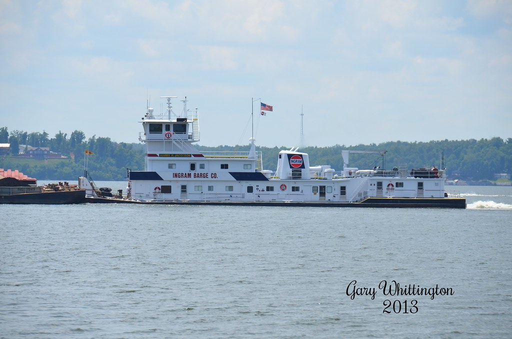 MV Harry R  Jacobson- Ingram Barge Company | Southbound