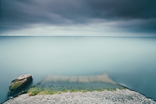 longexposure lake seascape toronto abandoned landscape pier waterfront deep le silence serene minimalism lakeontario tranquil
