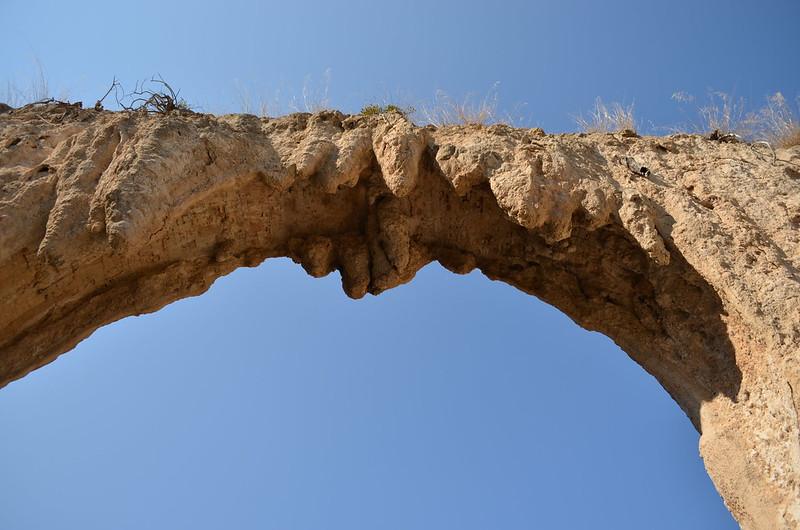 Loukou: Roman aqueduct bridge 21, looking SW