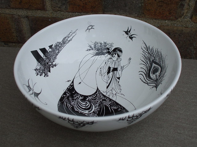 Poole Pottery England Large Aubrey Beardsley Series Fruit Bowl Mid Century Modern Design