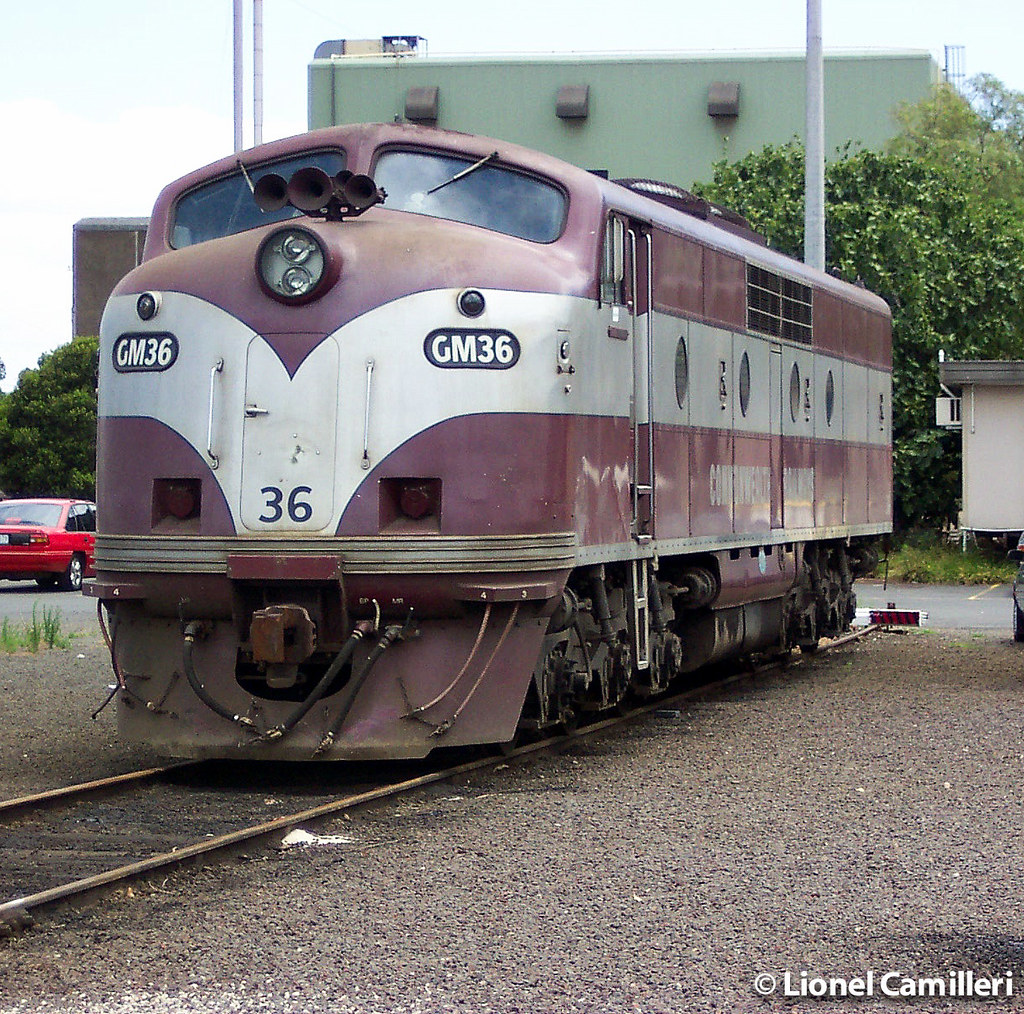 GM36 on Broad Gauge by LC501