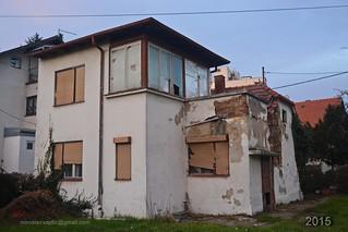 Rusenje Titove kuce u Gajnicama