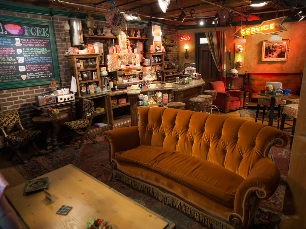 Central Perk The Central Perk Set From Friends On The Warn Flickr