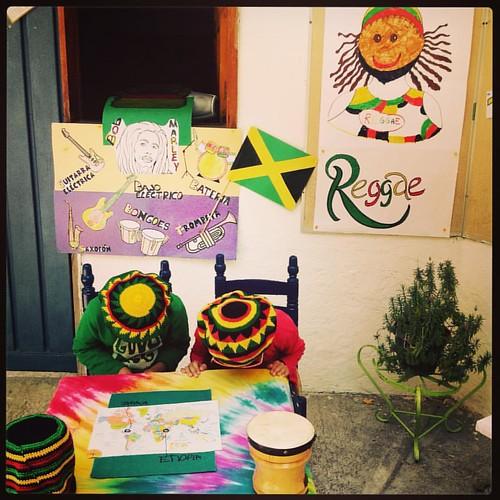 Música folclórica del mundo: Exposición del reggae presentada por 3ro de preescolar. #reggae #folklore #musicadelmundo