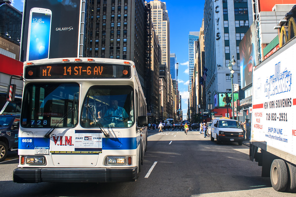 New York City bus on 7th Avenue | Sunny Day in NYC, M7 Bus o… | Flickr