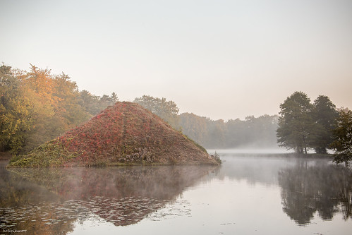 wood morning bridge sun water fog stone sunrise germany early october wasser nebel pyramid shades pyramids sonne sonnenaufgang pyramide brandenburg cottbus autofocus pyramiden branitz tagderdeutscheneinheit 2013 branitzerpark pückler dayofgermanunity cottbusdiewüstelebt cbdwl