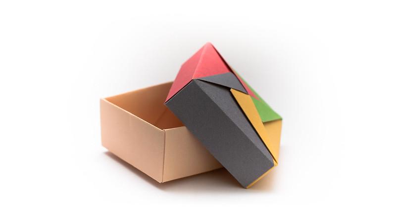 วิธีพับกล่องของขวัญแบบโมดูล่า (Modular Origami Decorative Box) โดย Tomoko Fuse -f01