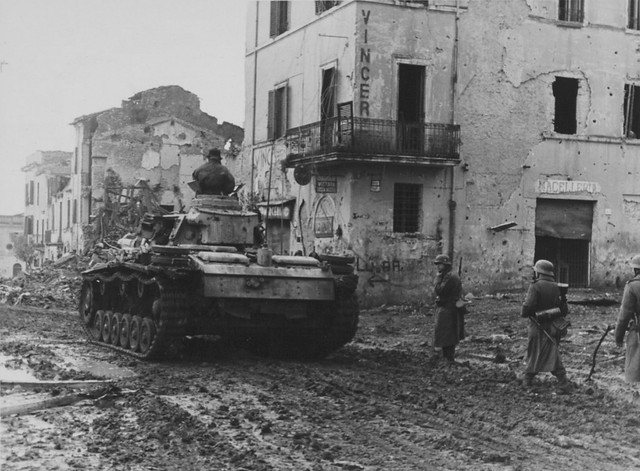 Befehlspanzerwagen III Ausf. K (Ausf. J oder L) (Sd.Kfz. 267 oder 268) Nr. II0?