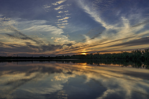 sunset clouds reflections shreveport louisiana lake redriverwildliferefuge calm blue red white water trees peaceful quite