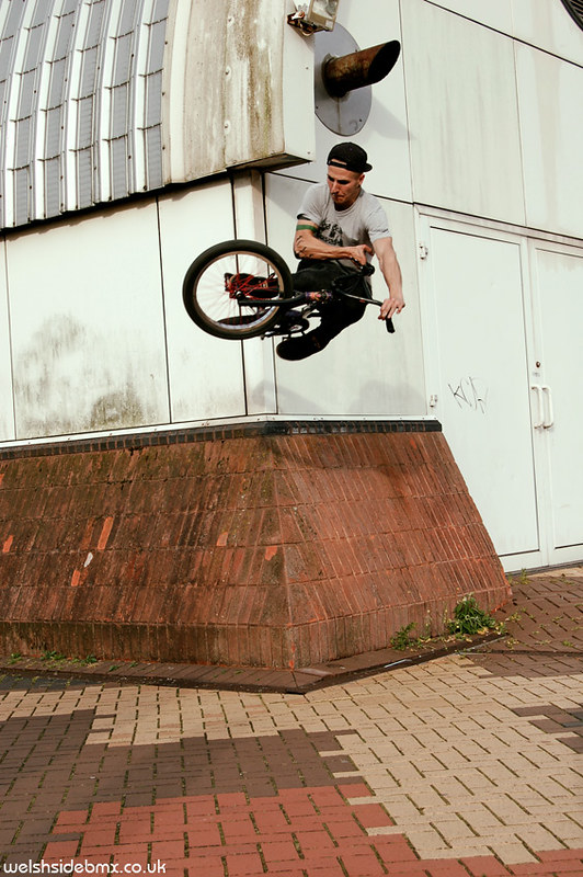 Cyril, wallride to flatie at Cardiff Bay
