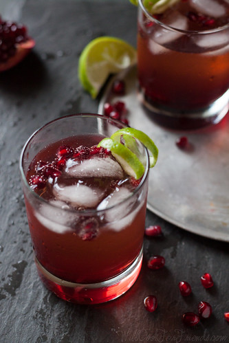 Pomegranate Ginger Fizz Cocktail (can be made alcohol-free, too) - this would be perfect for the holidays! | by WillCookForFriends
