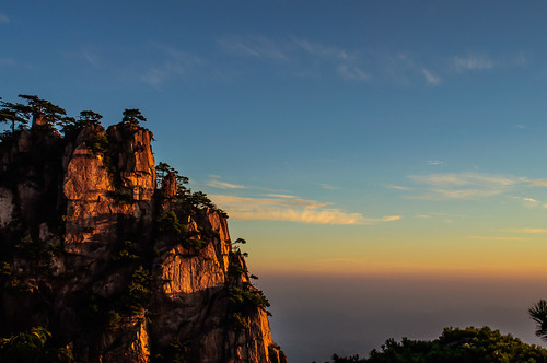 Huangshan's sunrise  黄山的日出 | by David Baggins