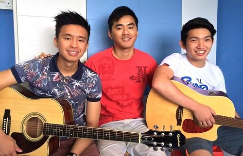Group guitar lessons Singapore Yun Tong Nathaniel