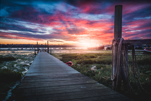 landscape landscapephotography light nature suffolk sunrise sunset sun sunlight summer morning jetty bright colours colors dawn pinmill river simontalbothurnphotography uk ngc