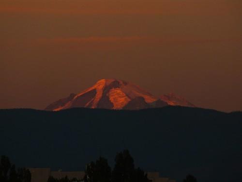 sunset mountain sunrise bellingham mtbaker bellinghamwa worldtrekker
