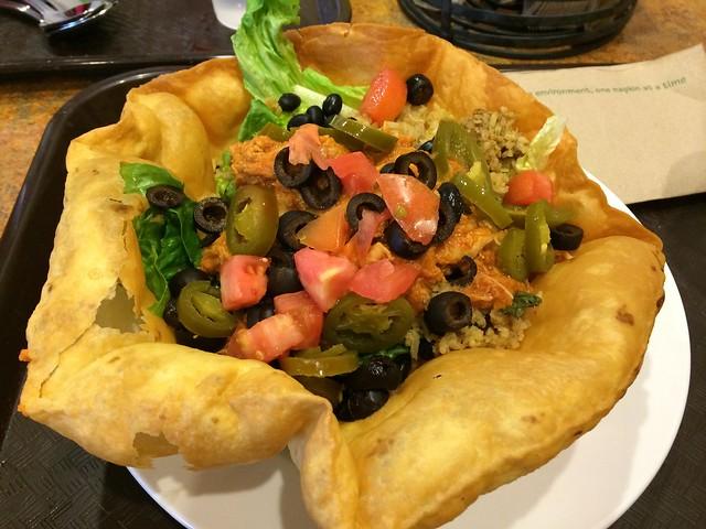 日, 2014-02-02 14:20 - Taco Salad at Big Billie's Restaurant