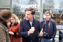 MP Mark Rutte bezoekt i.h.k.v. de verkiezingscampagne het Gelderlandplein in Amsterdam