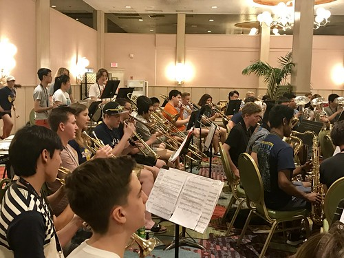 Awesome to work with the joint forces of the Rangitoto College Concert Band and the Las Vegas Academy Band this morning, and with their director Brian Downey. #PBMF2017 #hawaii #conductor #musicfestival #concertband #windband | by ryanyouens