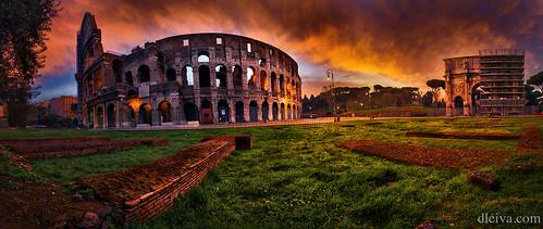 Coliseum at dawn, Roma