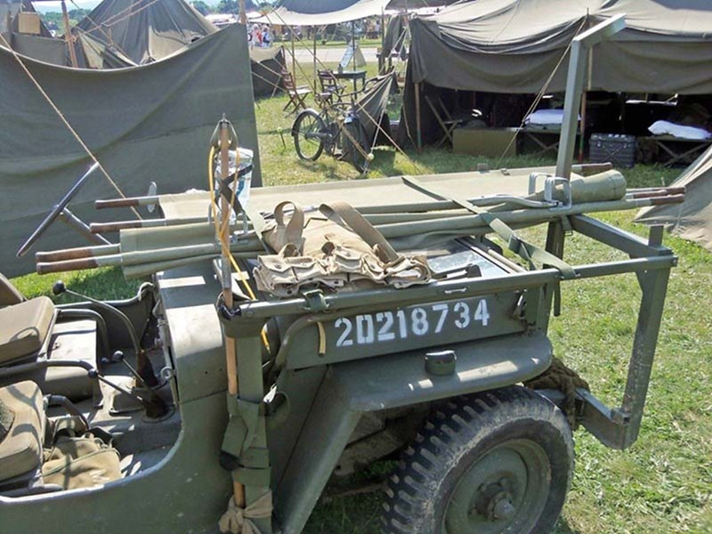 Willys MB Ambulance Jeep (2)