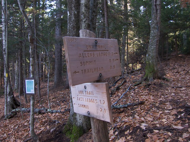 sign hiking newhampshire whitemountains sandwichrange unhtrail hedgehogmountain