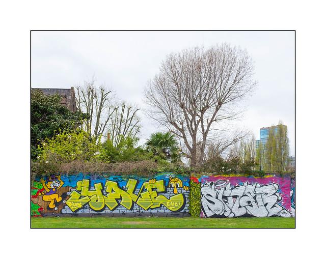 Street Art (Yale, Sizer), East London, England.