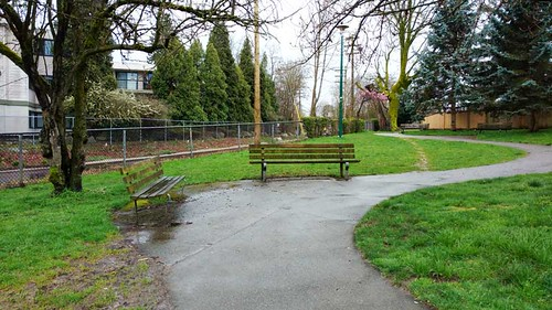 Arbutus_Greenway_park_at_6th