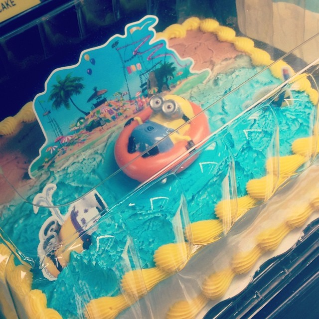 Despicable Me Minion Thanks Giving Cake Its Cute And Funny But How Can