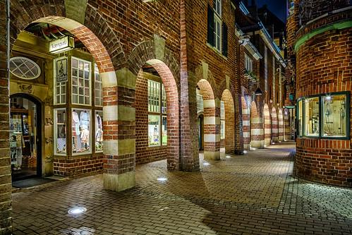 böttcherstrase bremen germany cityscape architecture night shot long exposure shops arches